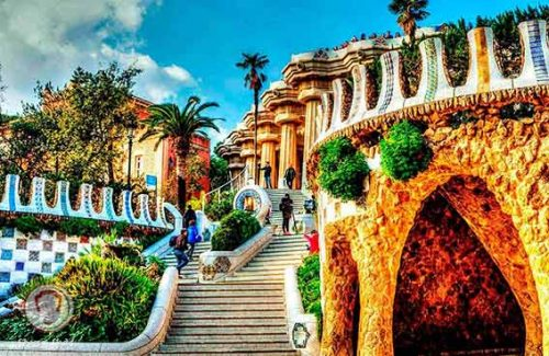 Park-Güell-swiss-spain-tour
